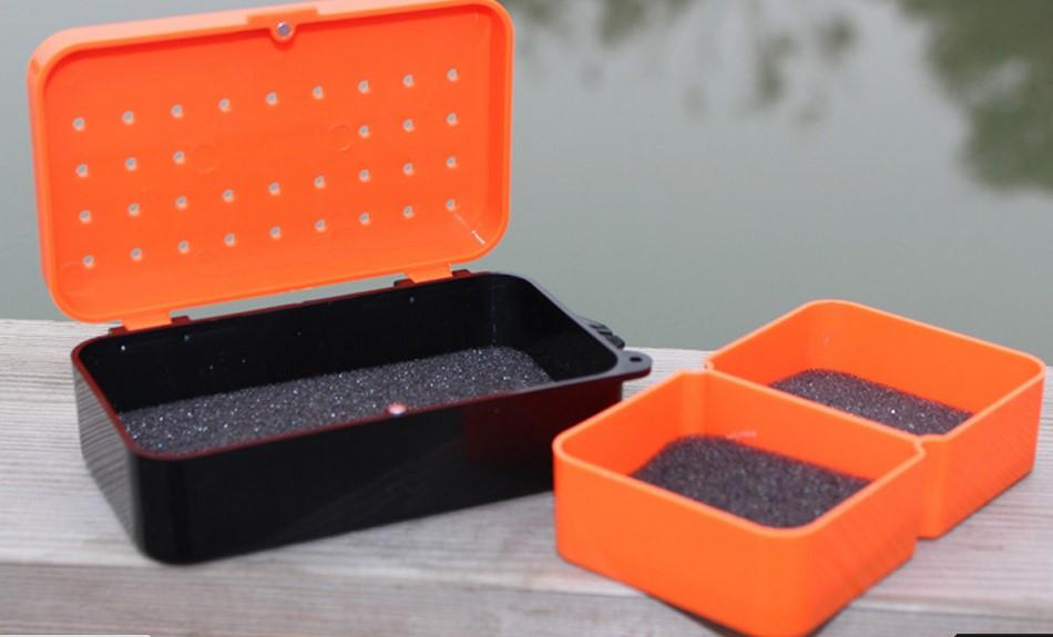коробка для наживки на ремень